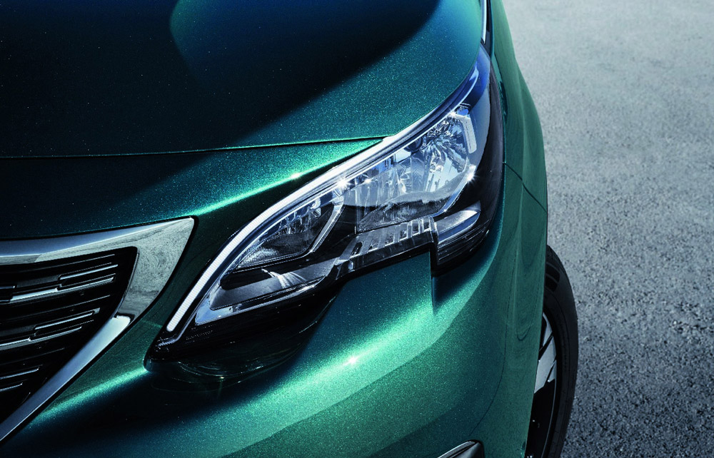 Peugeot 5008 SUV Vorderlicht