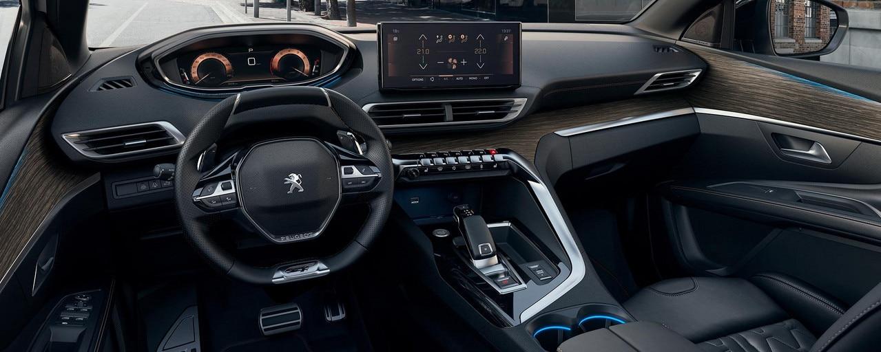 Neuer Peugeot 5008 Fahrerplatz